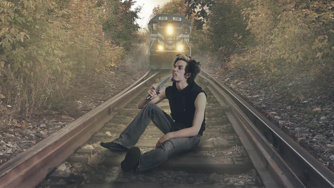 Manipulación De Photoshop Esperando El Tren